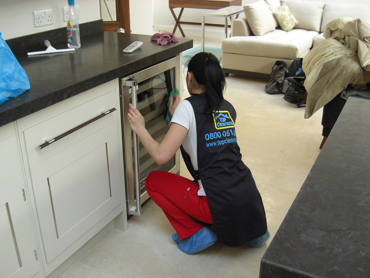 Should I Use a Professional London Cleaning Service After Festive Season?
